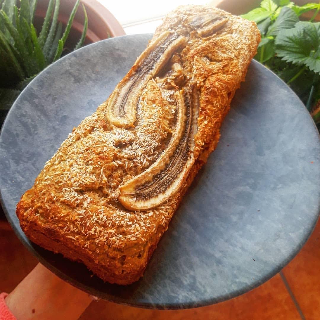 Retrouvez notre recette de BANANA BREAD À LA COMPOTE healthy