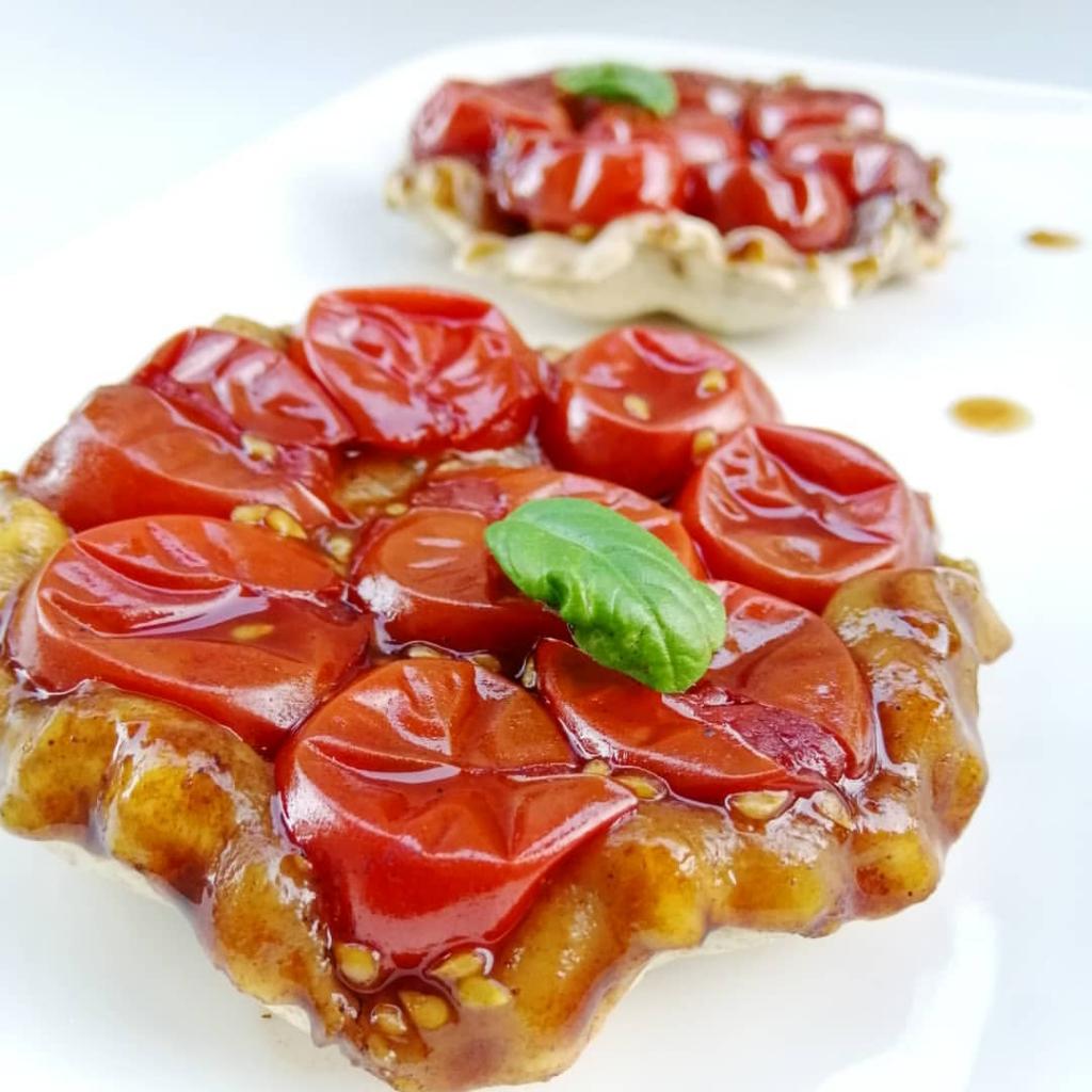 Tartelettes tatin aux tomates cerises et son caramel de balsamique