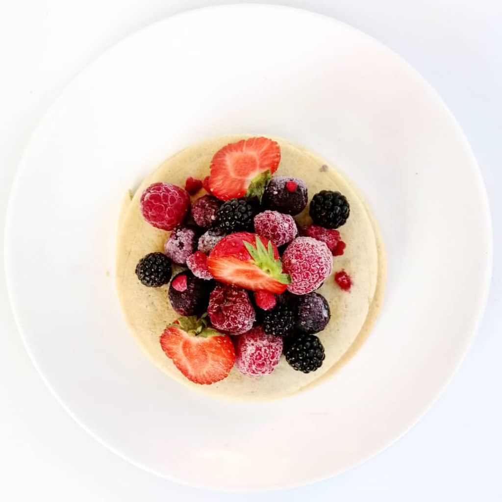 Pancakes healthy aux fruits rouges