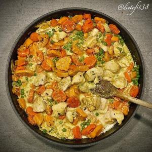 Recette de Curry poulet petits pois carottes patates douces